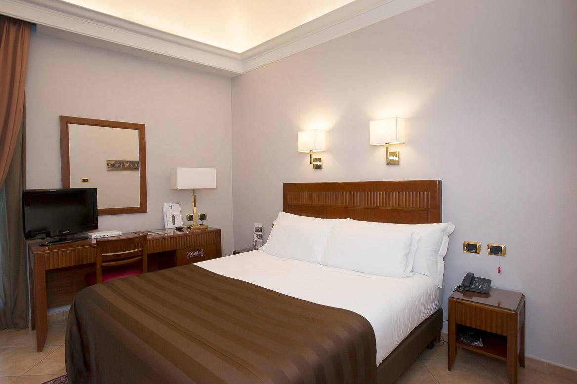 classic design italia forum amazing classic italia design. Black Bedroom Furniture Sets. Home Design Ideas